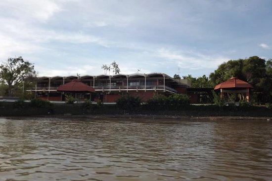 A Universidade Federal do Pará - UFPA é cortada pelo Rio Guamá. Nos últimos anos a UFPA aumentou o acesso para estudantes indígenas, quilombolas e oriundos das periferias