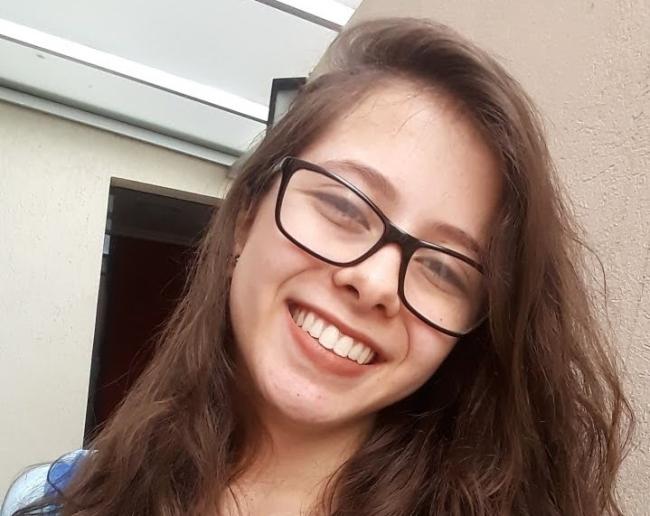 Adrielly Clara Enriques foi uma das 28 pessoas que tiraram nota mil na redação do Enem 2020.