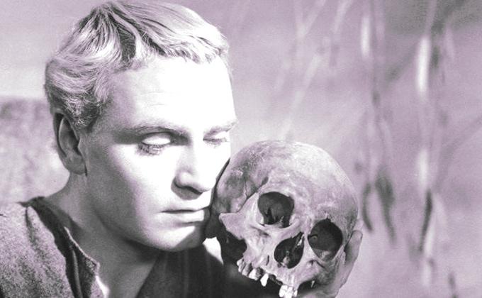 O ator Lawrence Olivier em adaptação de Hamlet para o cinema em 1948
