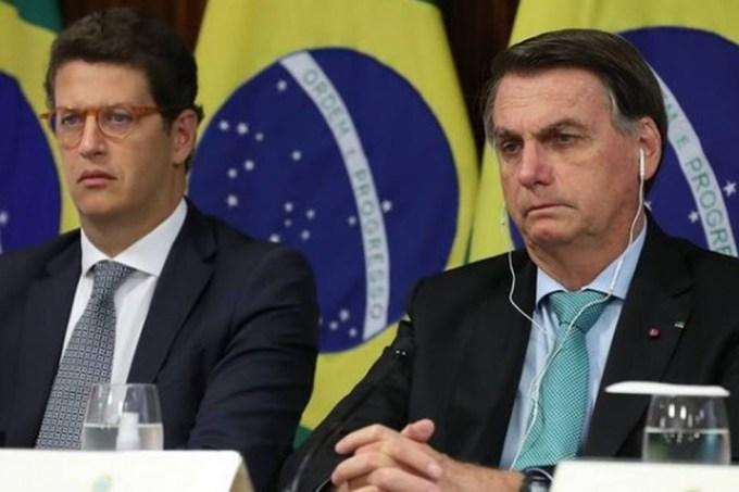 O ministro do Meio Ambiente, Ricardo Salles, ao lado de Jair Bolsonaro durante a Cúpula do Clima