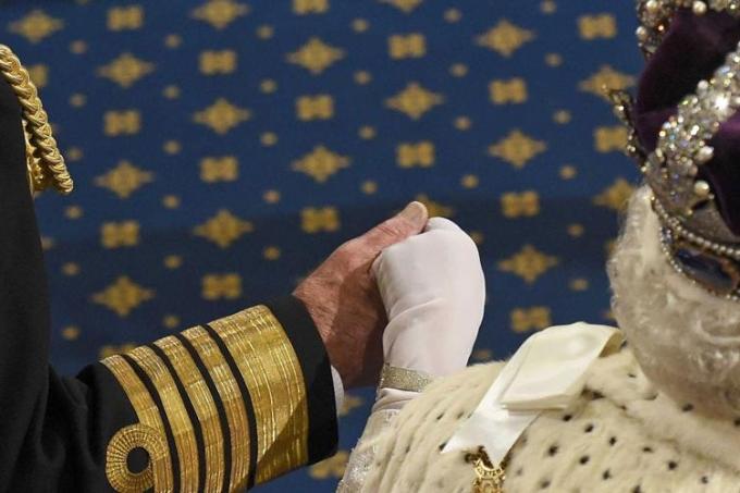 A rainha Elizabeth II e o príncipe Philip em cerimônia oficial