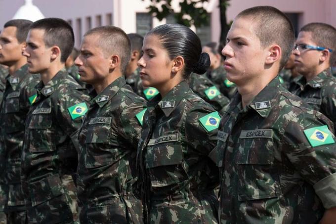 Escola de cadetes no exército