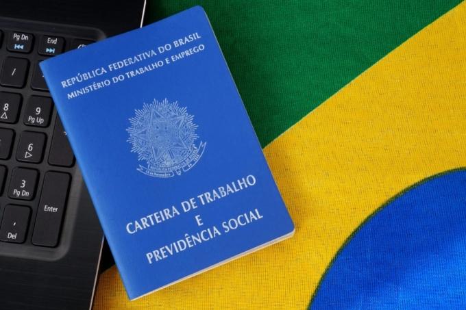 Carteira de trabalho no Brasil
