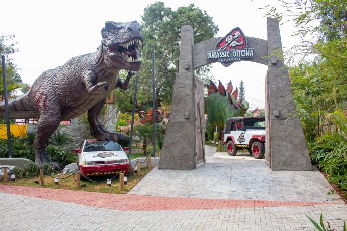 Parque temático de dinossauros no Colégio Oficina do Estudante, em Campinas (SP)