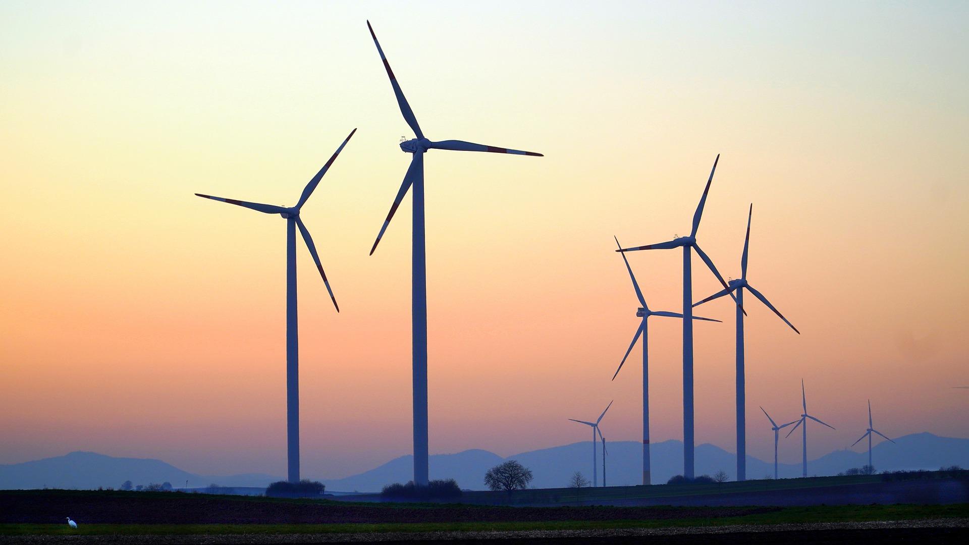 cataventos de energia eólica